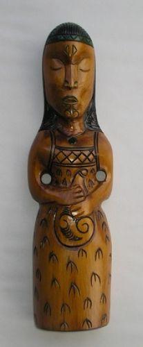 M05044 - Maori Hand-Carved Teko Teko Hinemoa.