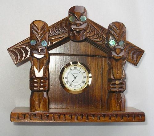 M05075 - Maori Hand-Carved Whare (Maori House) with Clock
