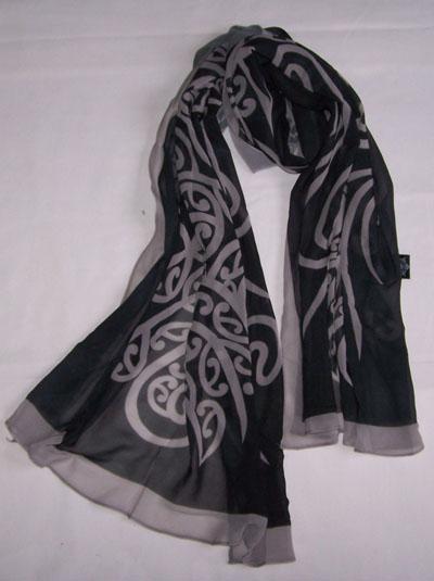 M03102 - Shawl Black Silver Wairua