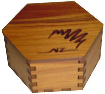 M09089
