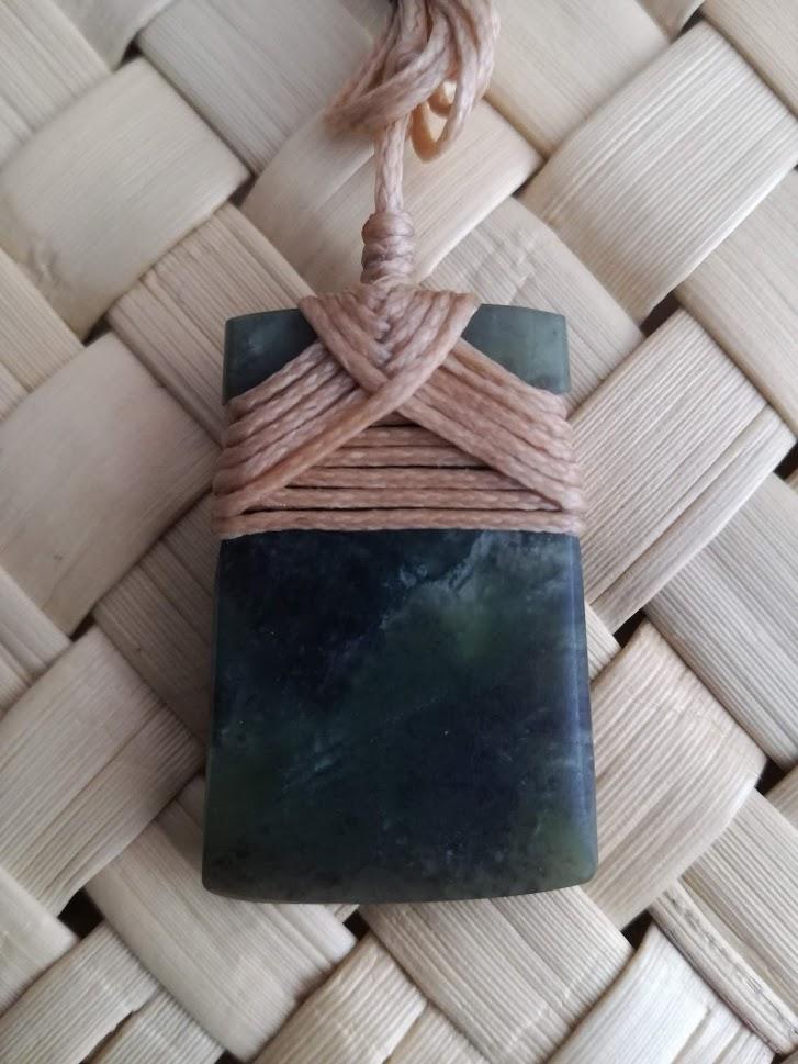 M07469 - Jade/Greenstone Carving Small Bound Toki